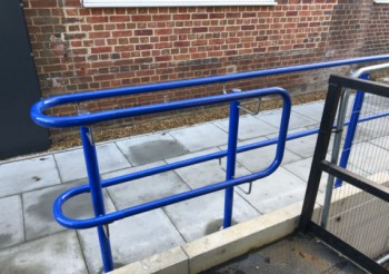 HANDRAILS FOR HOSPITALS, DENTAL SURGERY'S, VETERINARY PRACTICE'S OR CARE HOMES