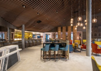 """Hunter Douglas Architectural ceiling has the """"wow"""" factor in London hotel"""