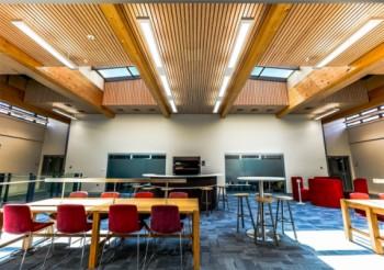 Hunter Douglas ceiling enhances student hub in listed building