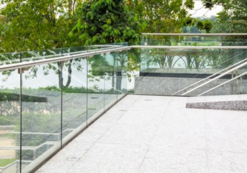 Spring into action! Create cool, calm, and sophisticated spaces with stunning glass balustrades