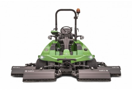 Dutch manufacturer Roberine will introduce their new 5-series commercial mower with Flexxaire reversible fan at Saltex.