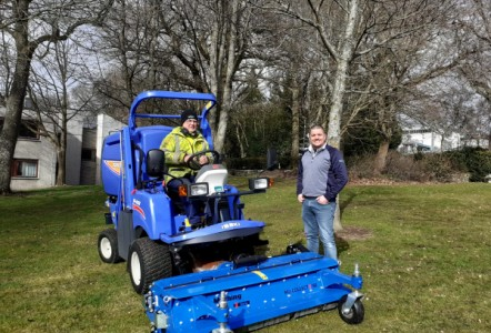 LONG-STANDING FAIRWAYS GM CUSTOMER, NHS TAYSIDE GOES FOR ISEKI SF450 WITH MUTHING FLAIL